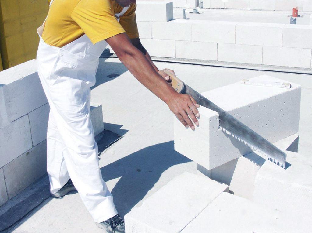 Какими инструментами можно резать газобетон