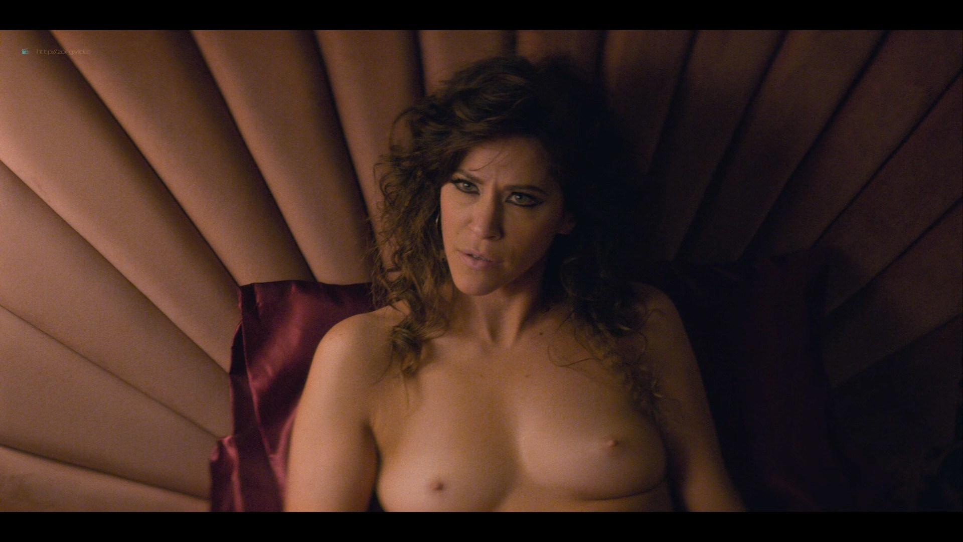 0710213425772_08_Betty-Gilpin-nude-sex-Kate-Nash-sex-others-hot-Glow-2019-S3-HD-1080p-0011.jpg
