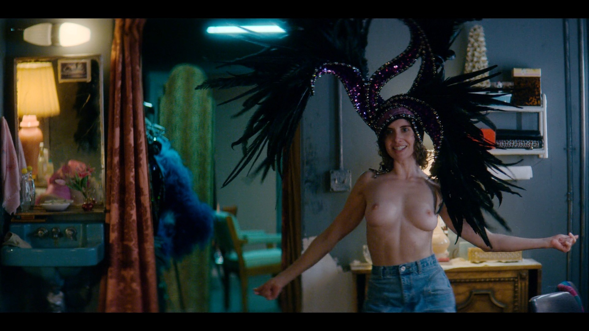 0710213435174_11_Alison-Brie-nude-topless-and-sexy-Glow-2019-S3-HD-1080p-Web-0005.jpg