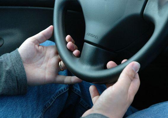 driving-1434211.jpg