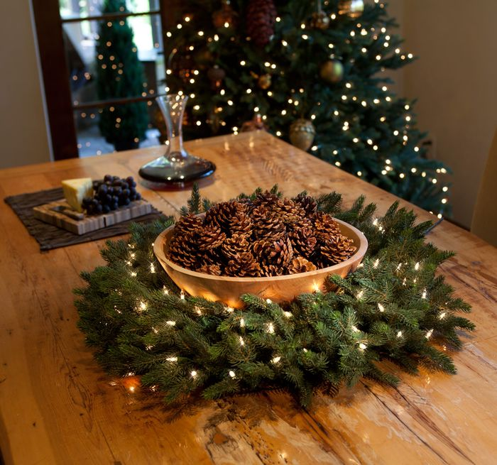 Идеи новогоднего декора из еловых веток