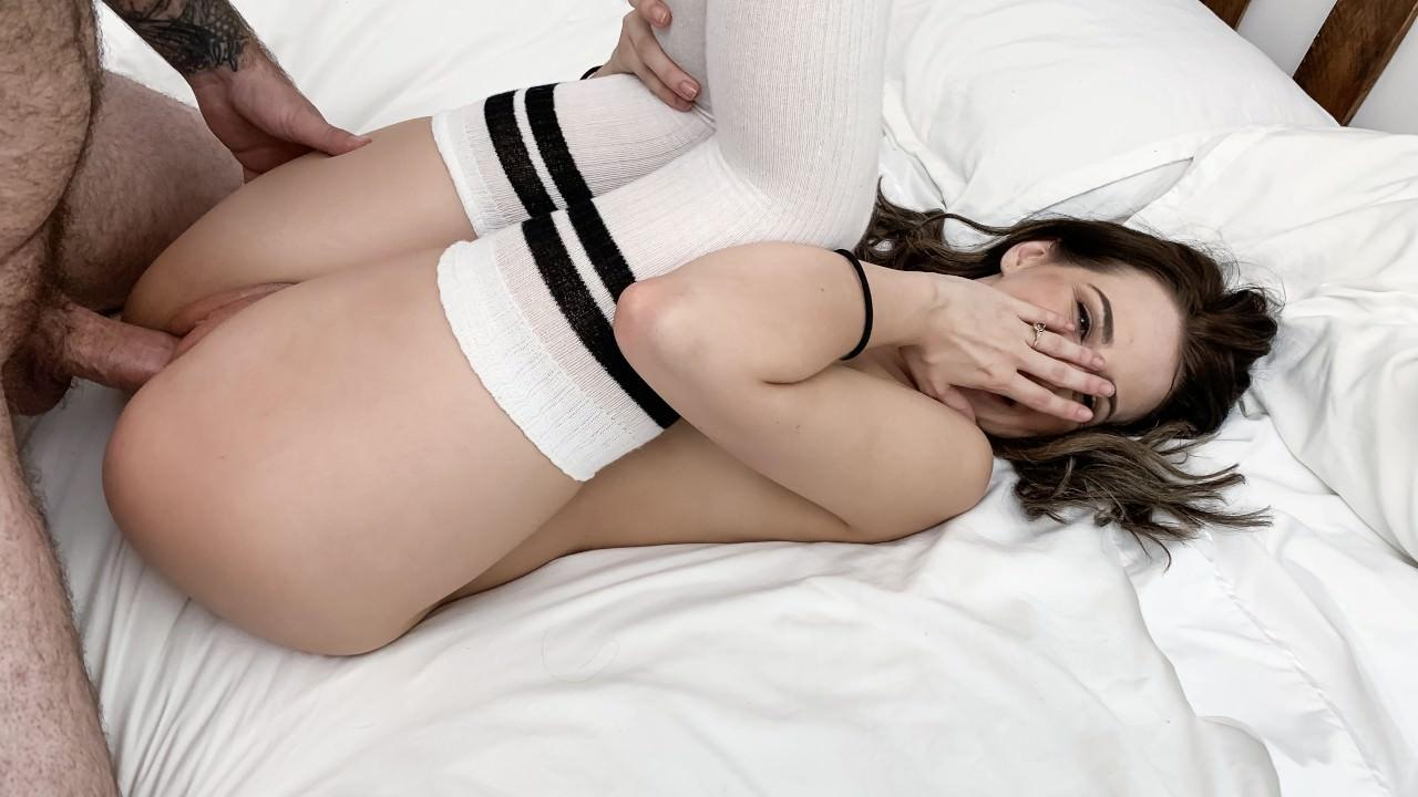 Изображение для Aubree Valentine - Sexy Brunette With Glasses Gets Fucked (2019) SiteRip (кликните для просмотра полного изображения)