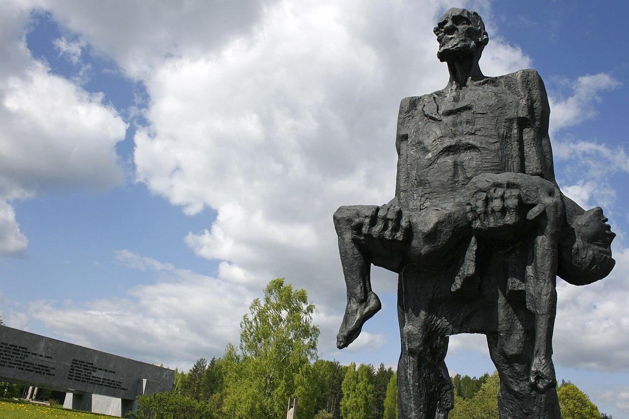 1280px-Khatyn_Memorial,_Belarus.jpg