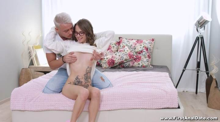 Stasia Si - First Anal Date (2020) SiteRip |