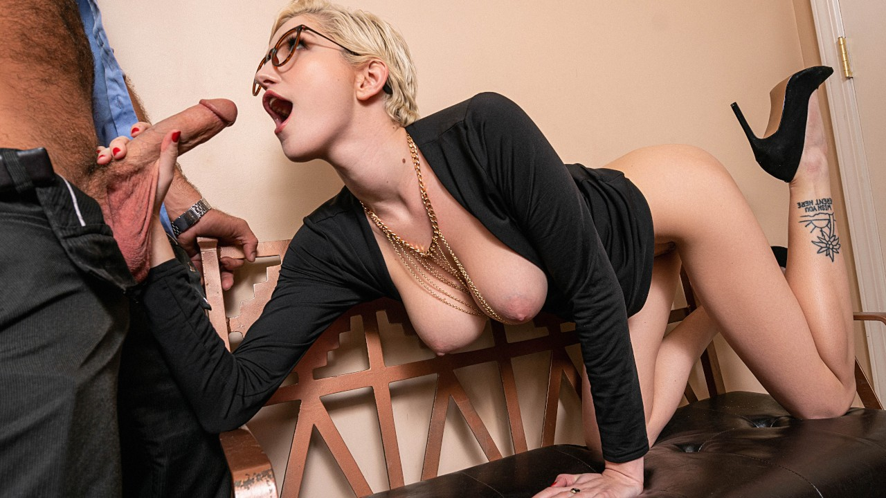 Skye Blue - Dinner And A Show (2020) SiteRip |