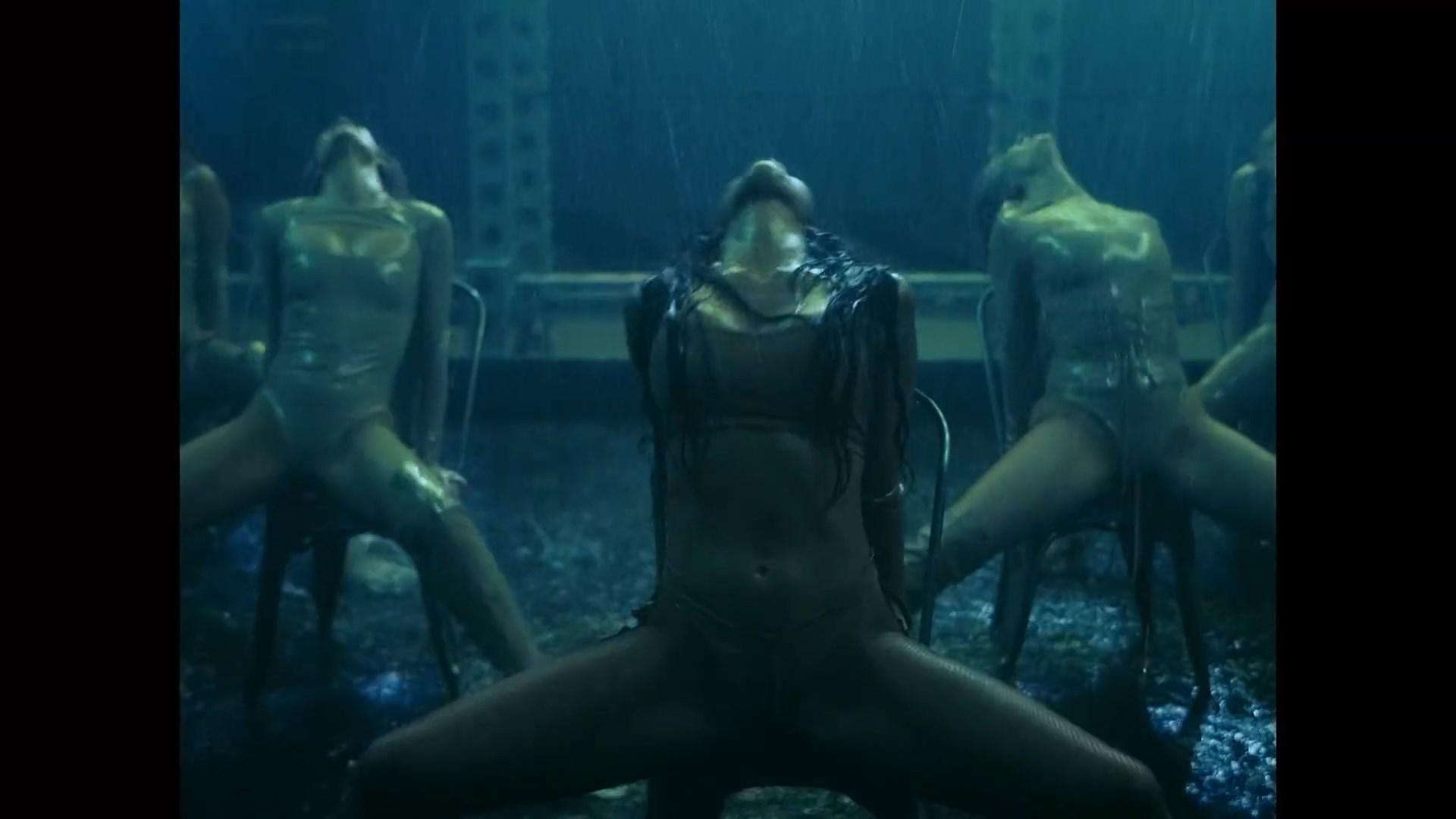 The Pussycat Dolls - React.mp4_snapshot_03.05_[2020.02.10_03.44.54].jpg