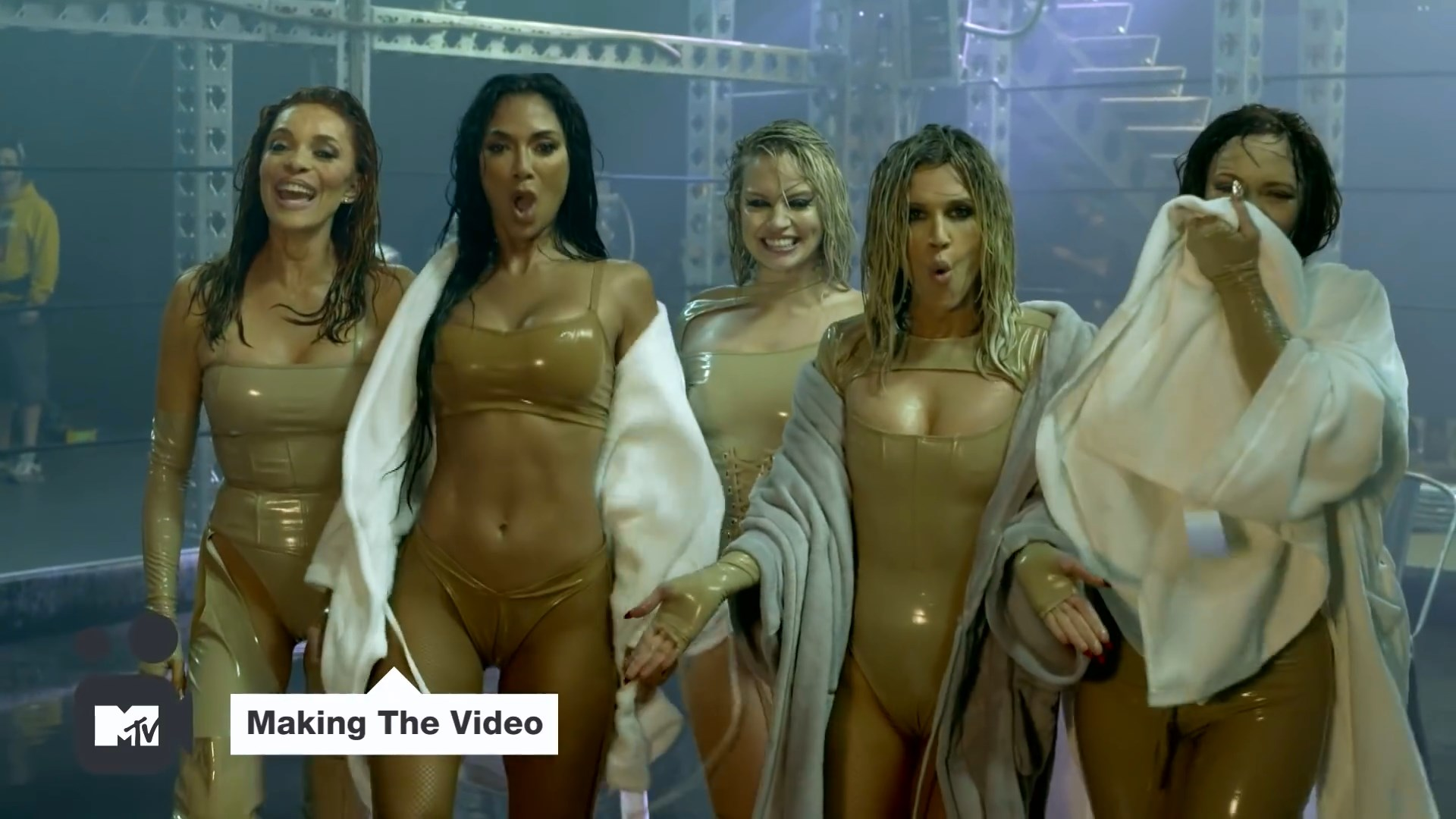 Pussycat Dolls 'React'  Making The Video ¦ MTV Music.mp4_snapshot_03.26_[2020.02.10_04.51.29].jpg