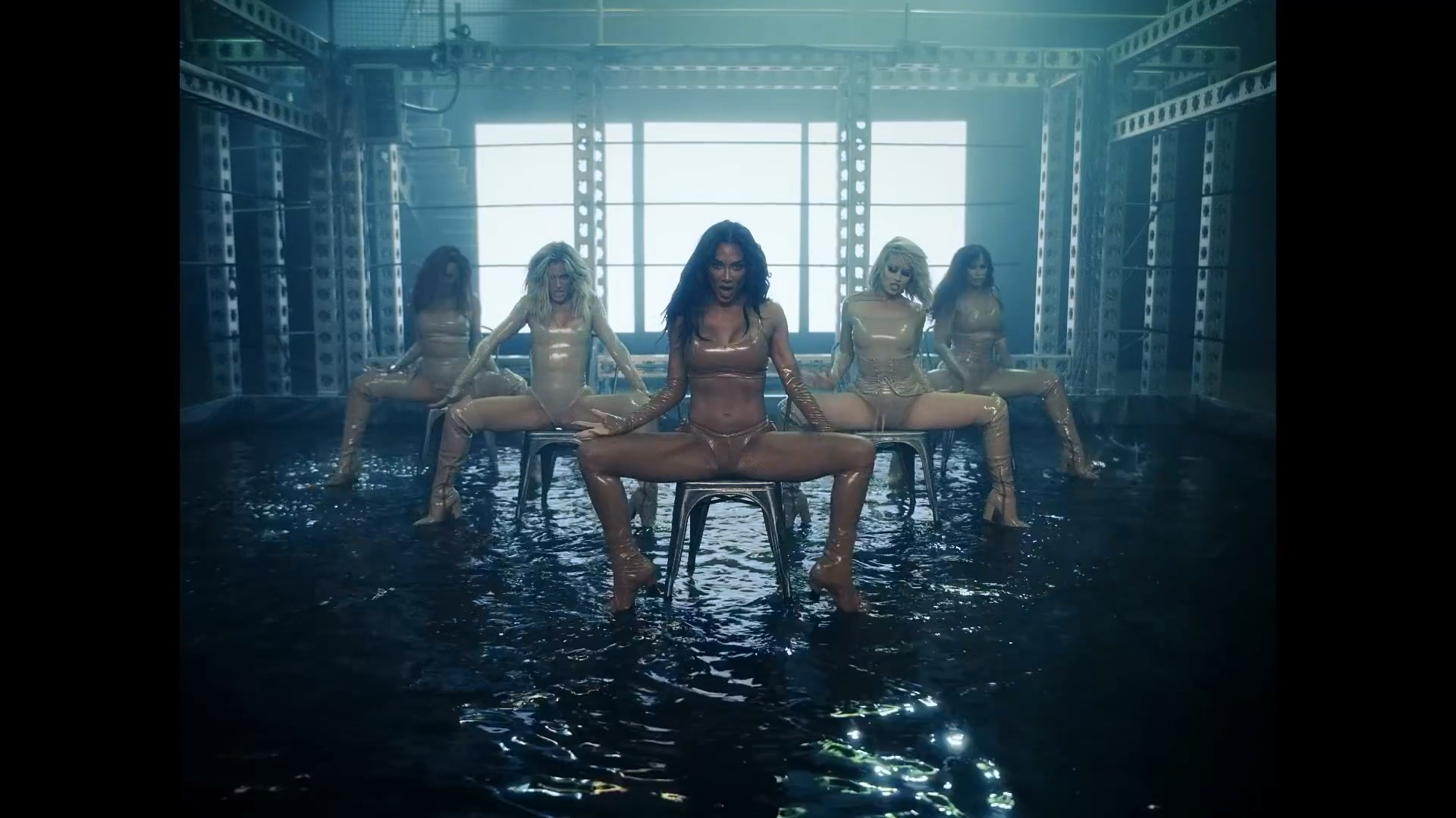 The Pussycat Dolls - React.mp4_snapshot_03.02_[2020.02.10_03.44.36].jpg