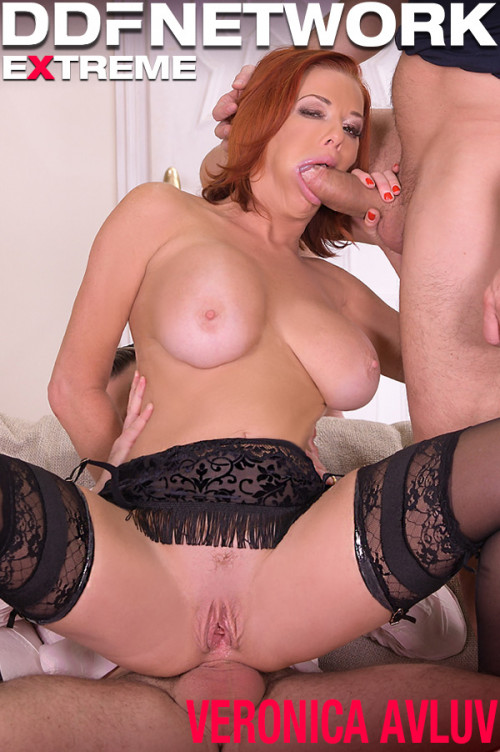 Veronica Avluv - Sexy Milf DP'd by Her Customers (2020) SiteRip |