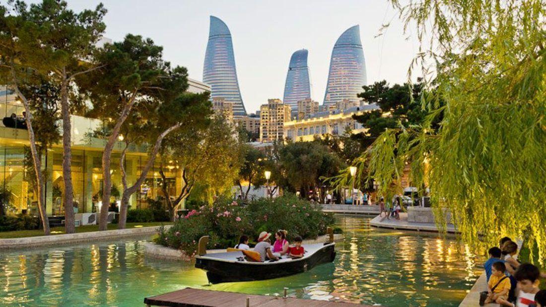 Парк в Баку