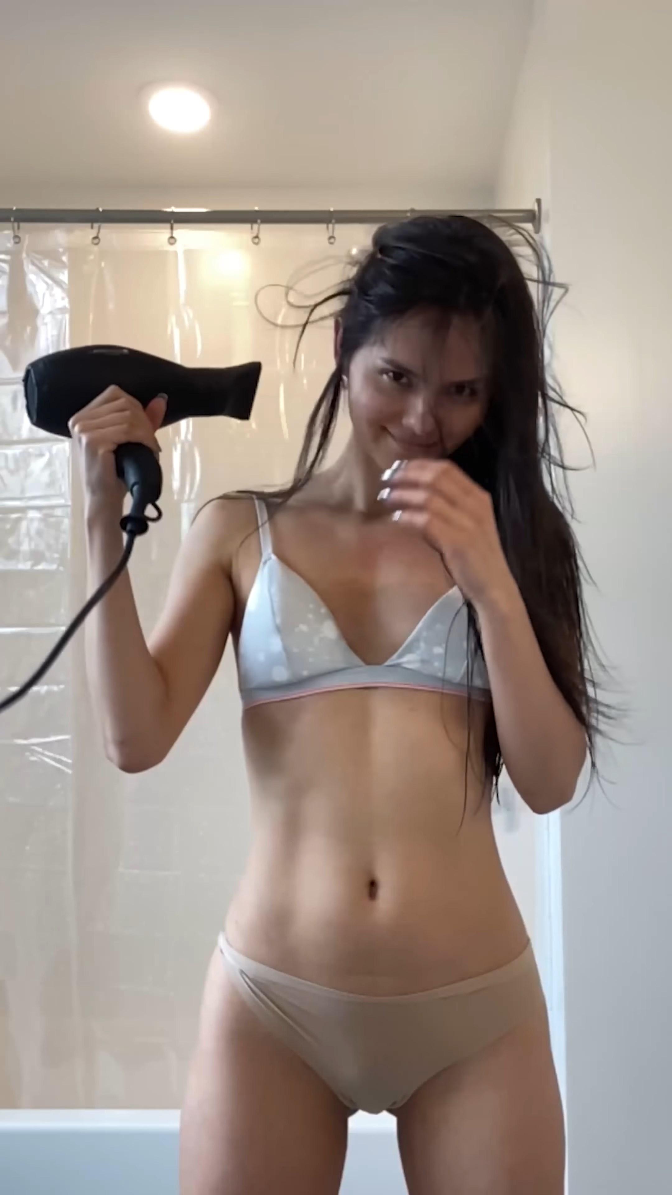 Quarantine hair by me and blow dryer dance ????????????.mkv_snapshot_00.30_[2020.07.24_00.54.26].jpg