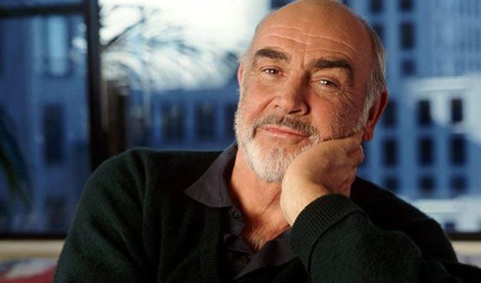 Sean-Connery-and-James-Bond-16.jpg