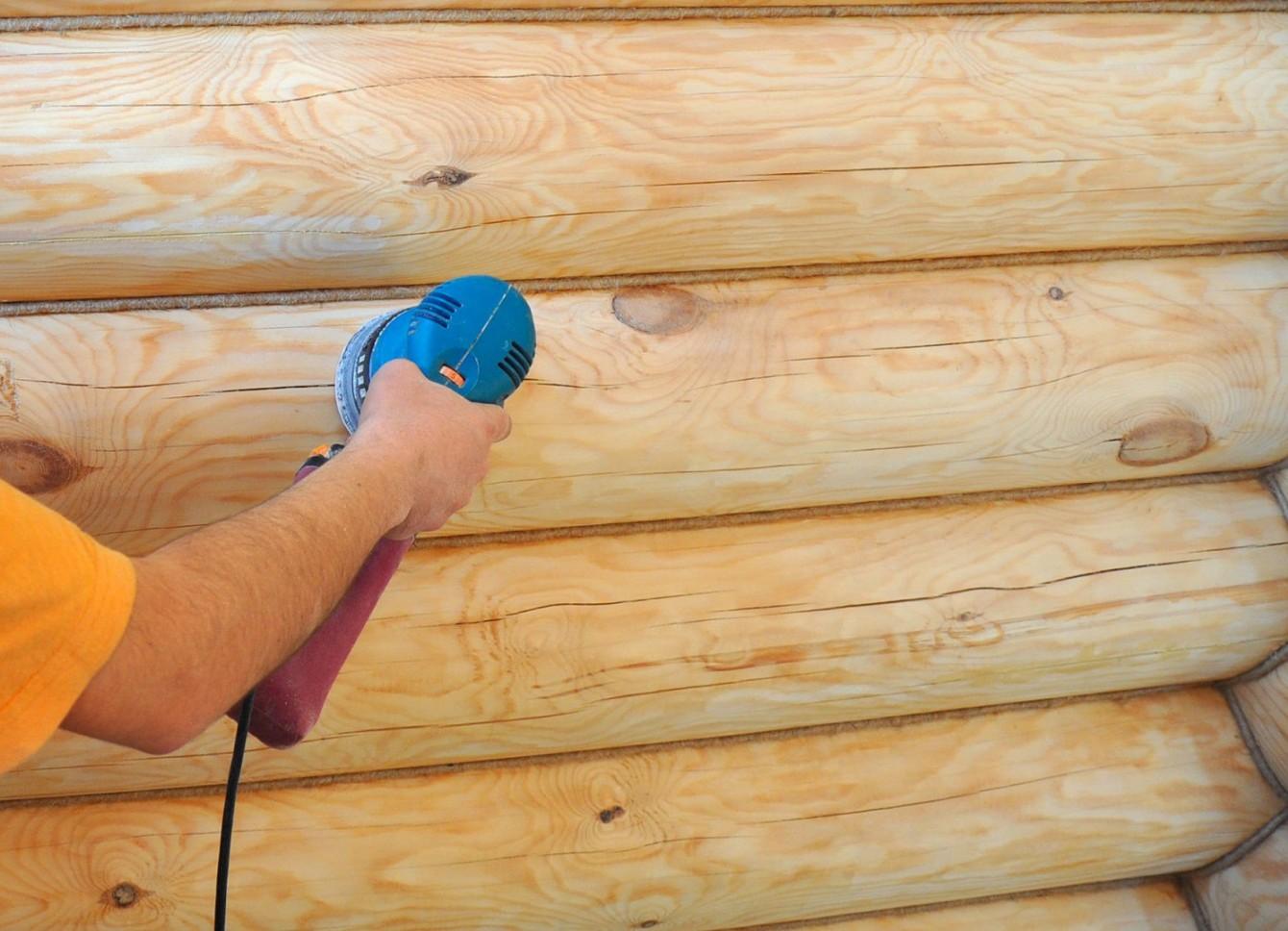 Особенности шлифовки бревенчатых стен