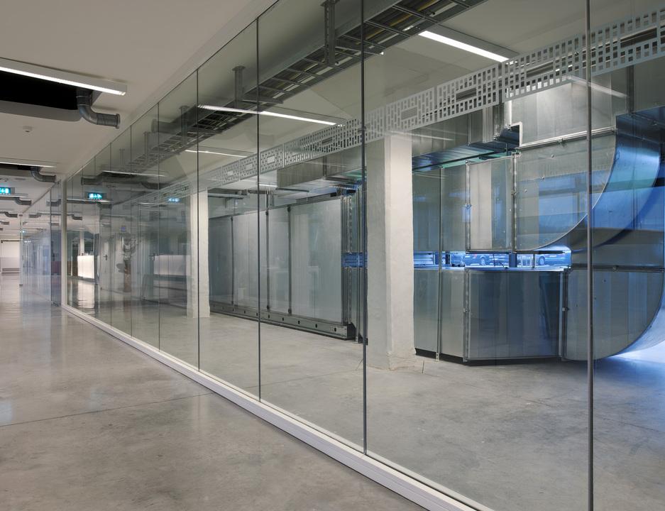 Противопожарные стеклянные перегородки: конструкционные особенности и сферы применения