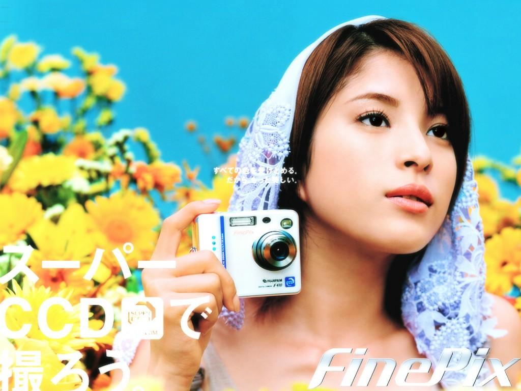 Takako Uehara, Fujifilm FinePix, promo [PH201025002047]