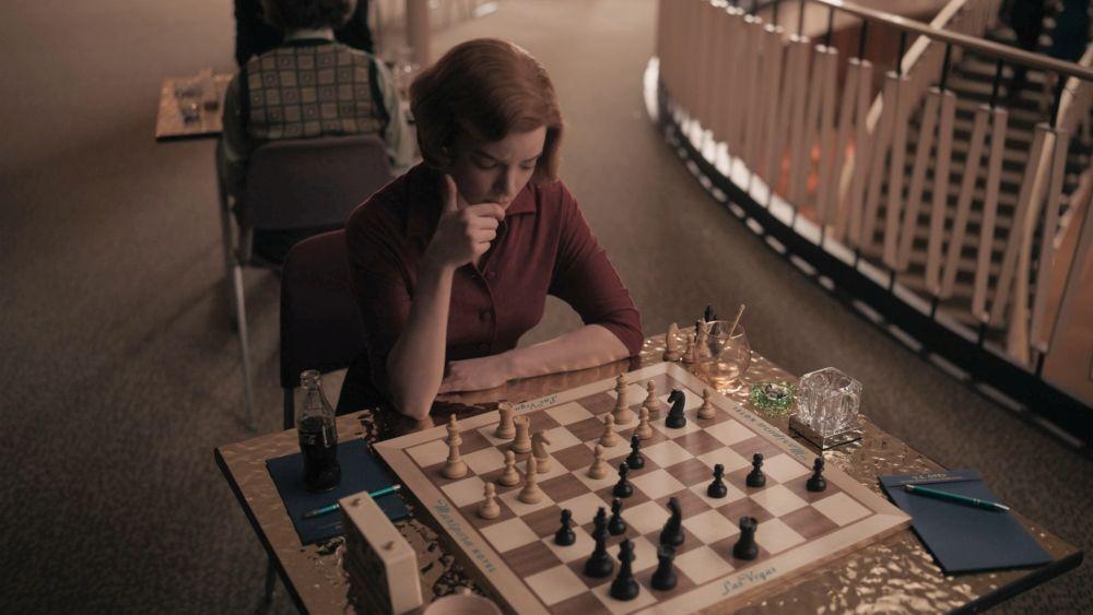 Бет за шахматной доской