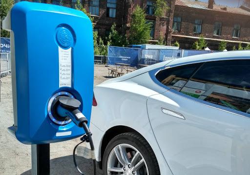 зарядные станции для электромобилей