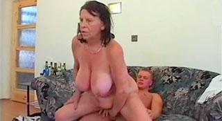 Kveta - Внучок помог бабушке получить удовольствие / 70 and Still Fucking 5 (2014)