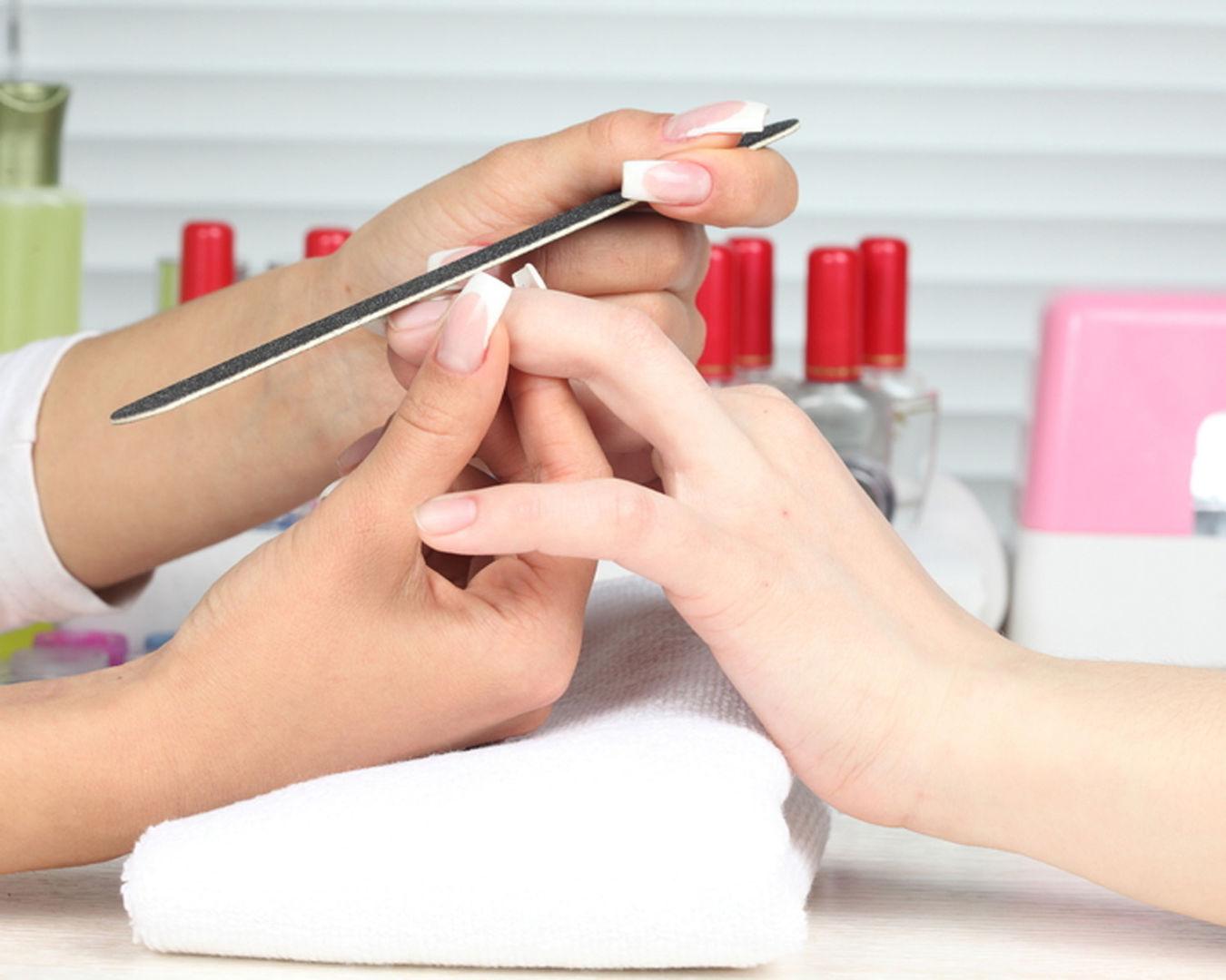 особливості корекції нігтів