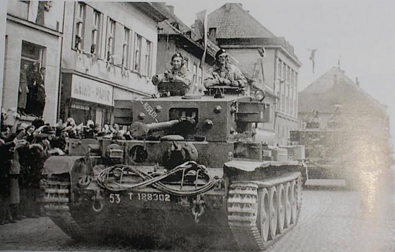Cromwell-Mk.IV-T188045-1.?eskoslovensk?-Samostatn?-Obrn?n?-Brig?da-1st-Czechoslovak-Independent-Armoured-Brigade-Group-CIABG-2nd-Armored-Regiment-1944.jpg