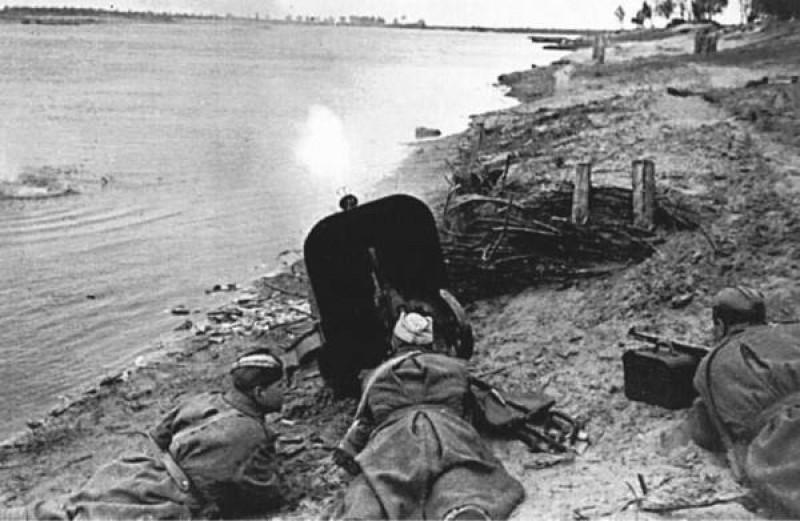 19-avgusta-1941-goda-nachalas-oborona-dnepropetrovska.jpg