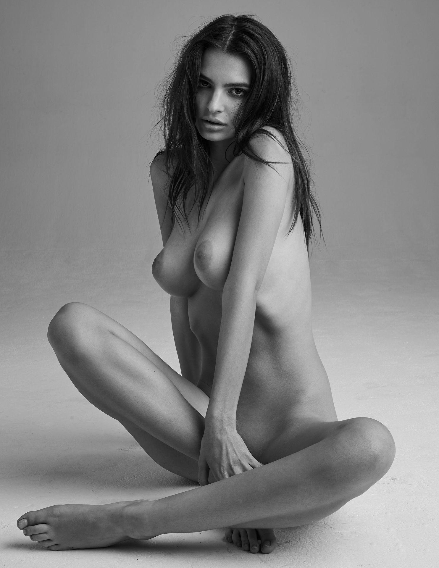 Emily-Ratajkowski-Nude-15-thefappeningblog.com_.jpg