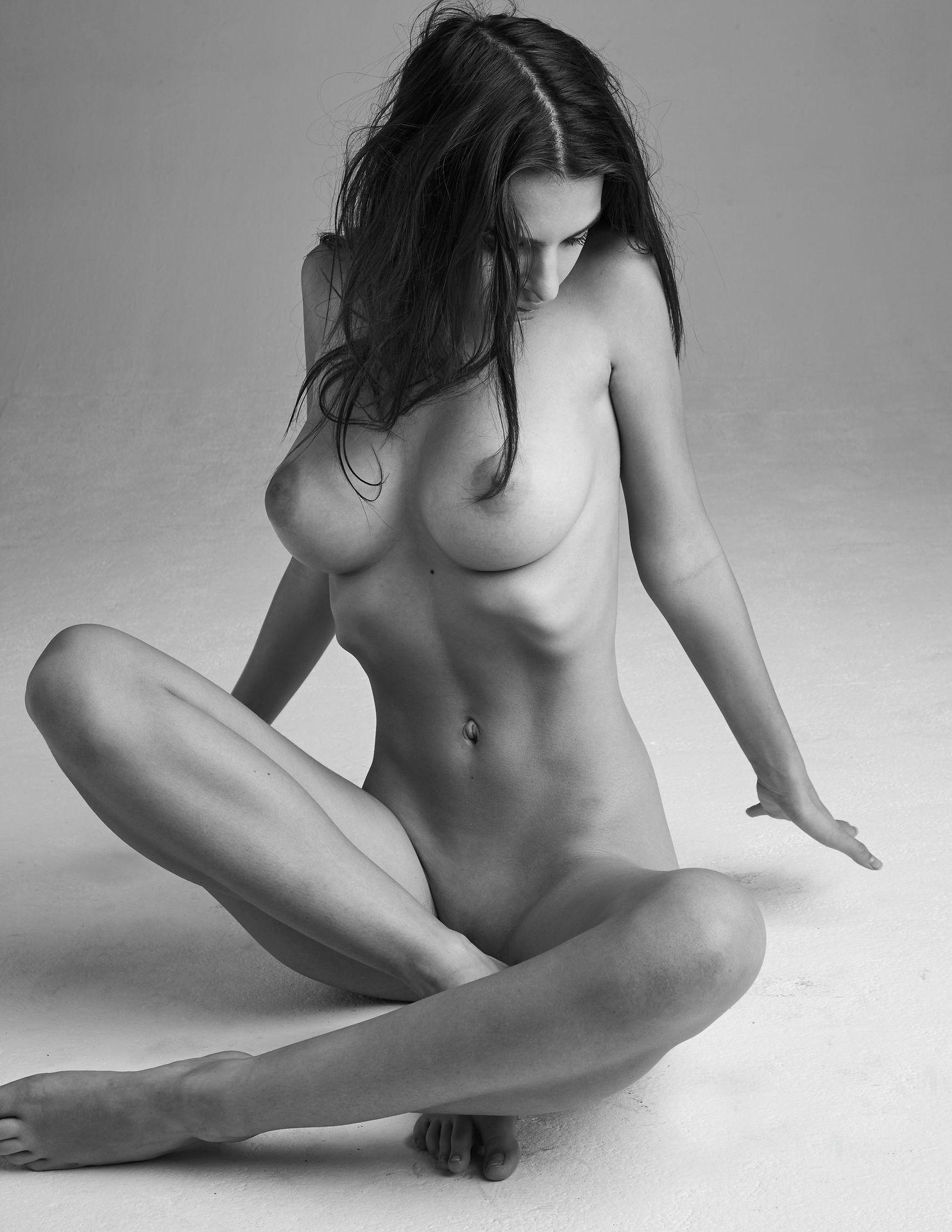 Emily-Ratajkowski-Nude-25-thefappeningblog.com_.jpg